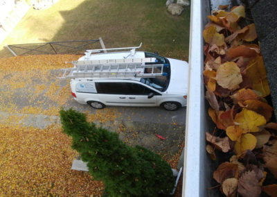 Richmond Hill the best Eavestrough Cleaning