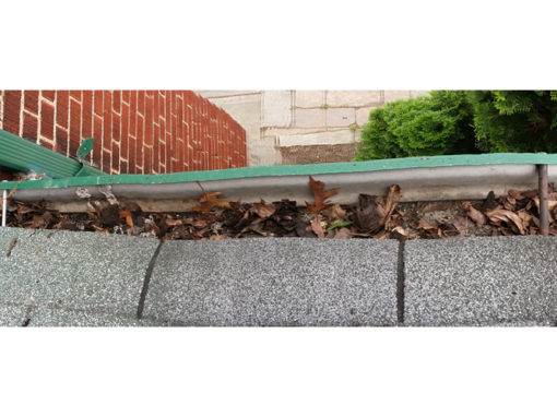 Dufferin eavestrough cleaning – Toronto, ON